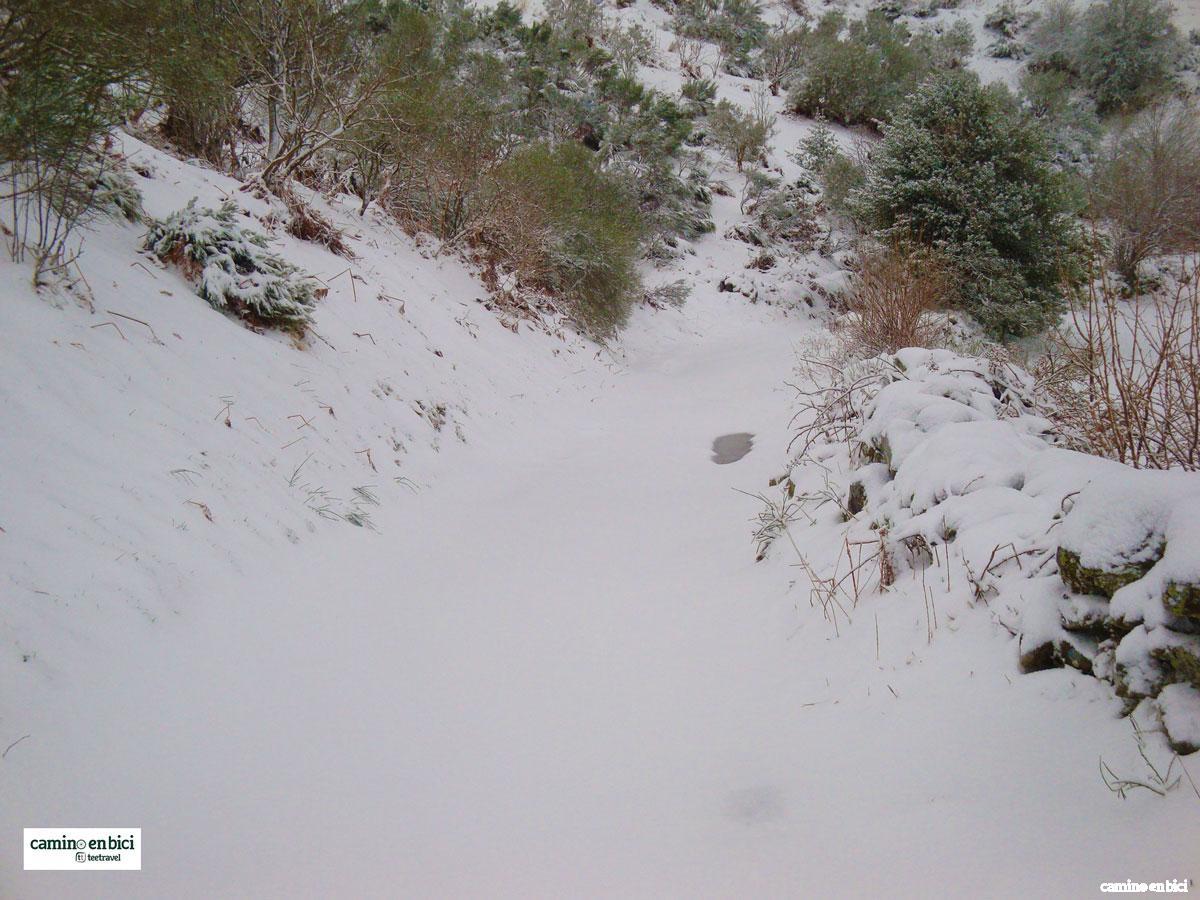 Camino de Santiago Francés - Nieve en el Camino