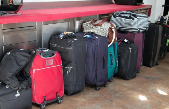 No te preocupes por tus maletas, nosotros te las llevamos.