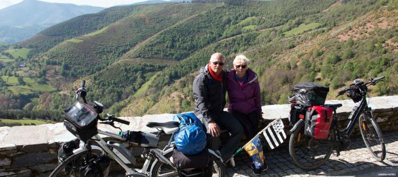 Todas las ventajas del Camino Francés en grupo y en bicicleta - Peregrinos