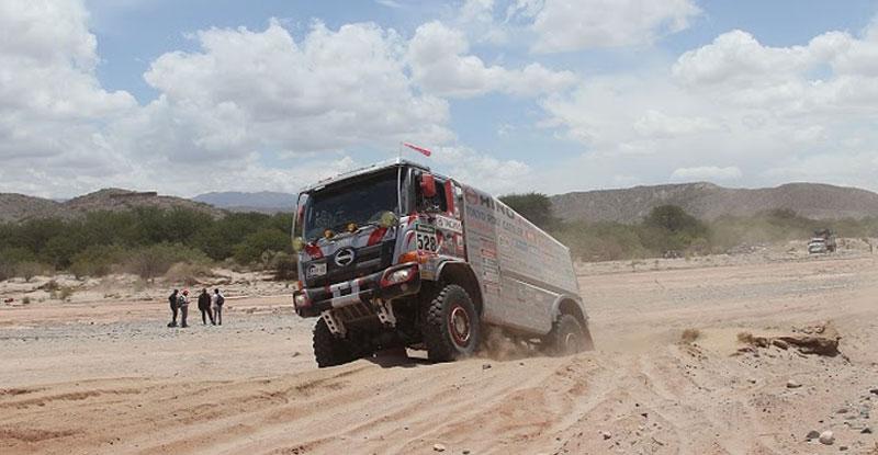 camiones hino dakar