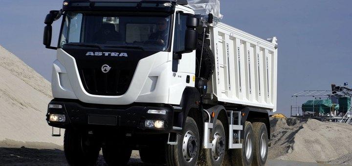Aurelia presentó los nuevos camiones extrapesados Astra