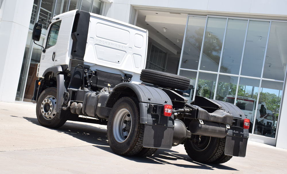 camion VW MAN atras
