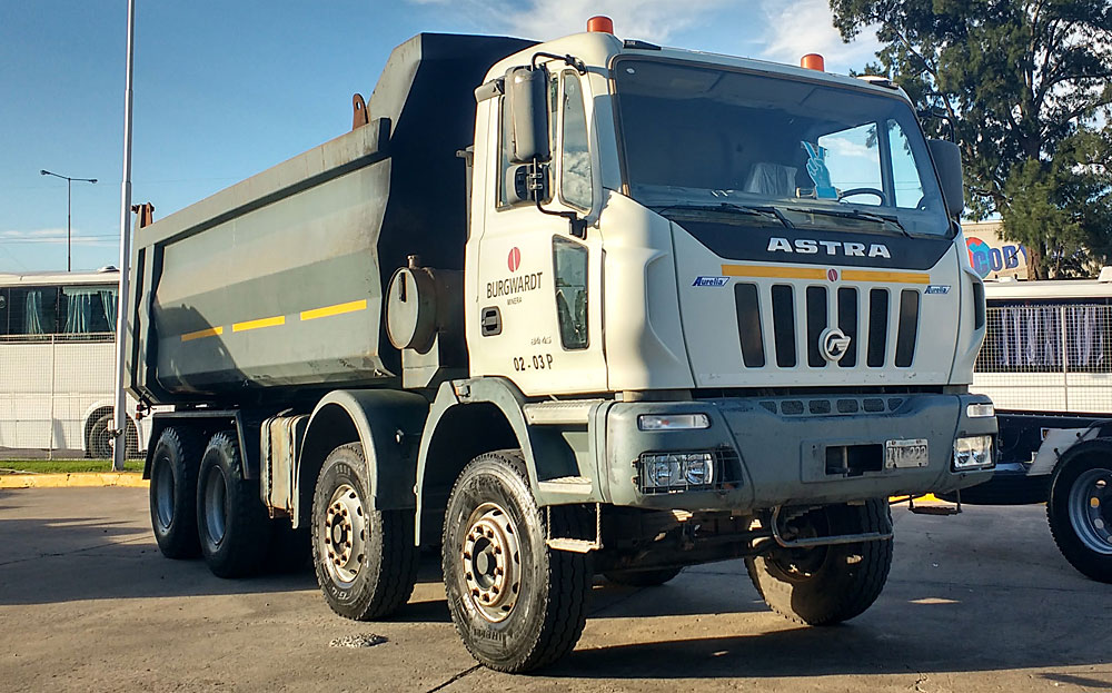 camiones extrapesados Astra