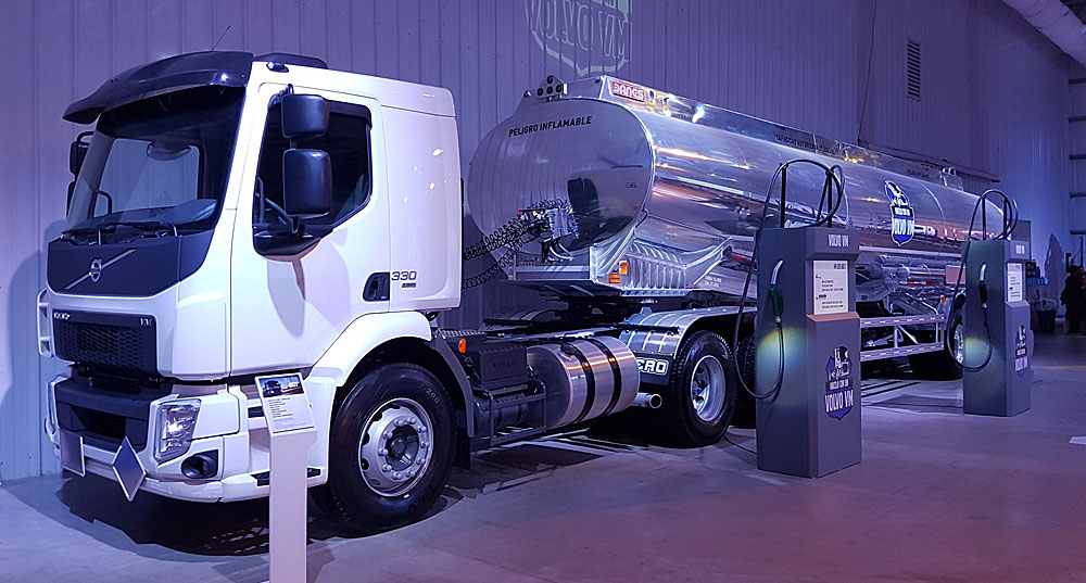 camion tanque volvo