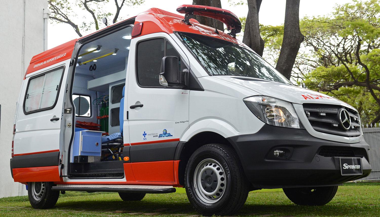 ambulancia mercedes benz