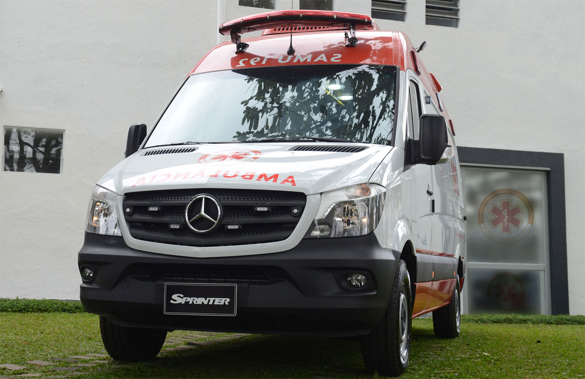 mercedes benz ambulancia