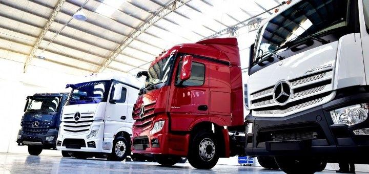 camiones mercedes benz