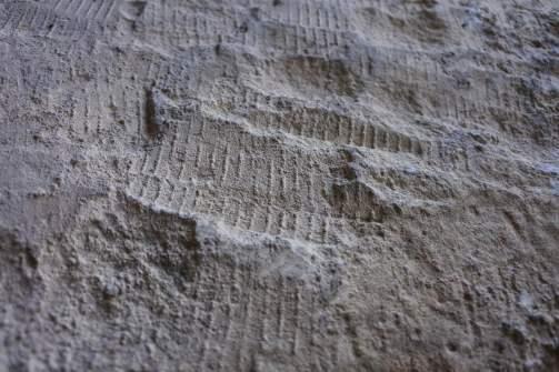 Pietre scalpellate e squadrate su Piana Martino
