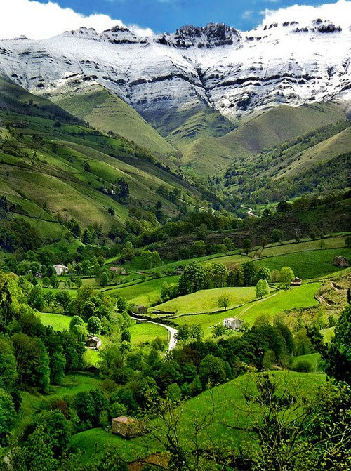 Valle del Pisueea, Cantabria, Spain