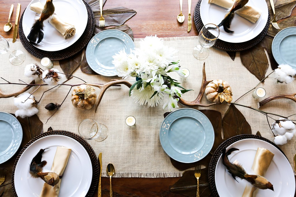 beautiful table setting for Fall