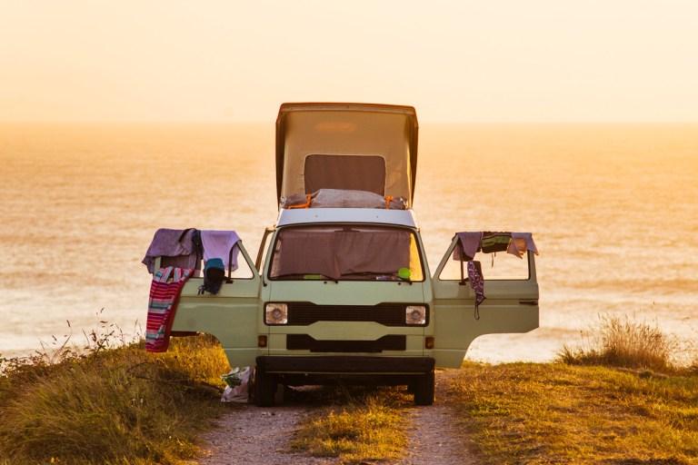 Camping in der Sommerhitze? Mit diesen 7 Tipps bleibt Ihr Wohnmobil im Sommer kühl