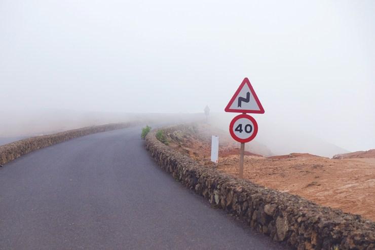 Andere Länder, andere Sitten. Informiert euch vor Abfahrt über spezifische Verkehrsregeln im Urlaubsland.