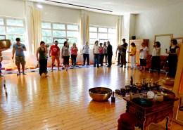 Campane Tibetane Torino: gruppo in sala