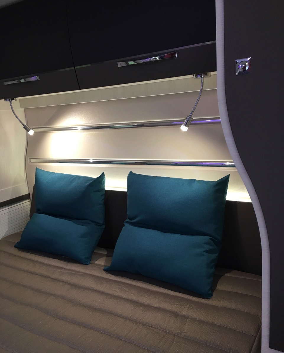 Foto Queensbed Chausson 718 XLB 2017 Campers Noord