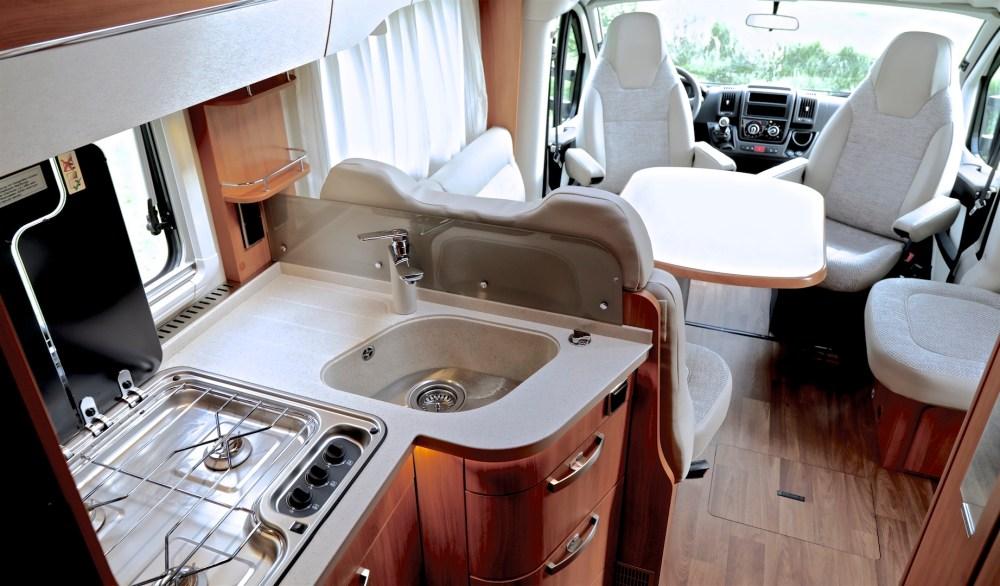 Hymer T 588 SL tramp keuken campers noord