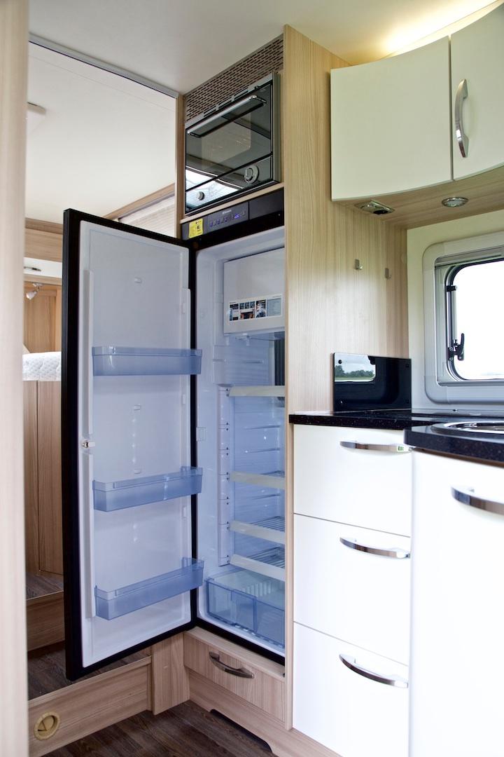 Burstner nexxo time 690 koelkast Campers Noord