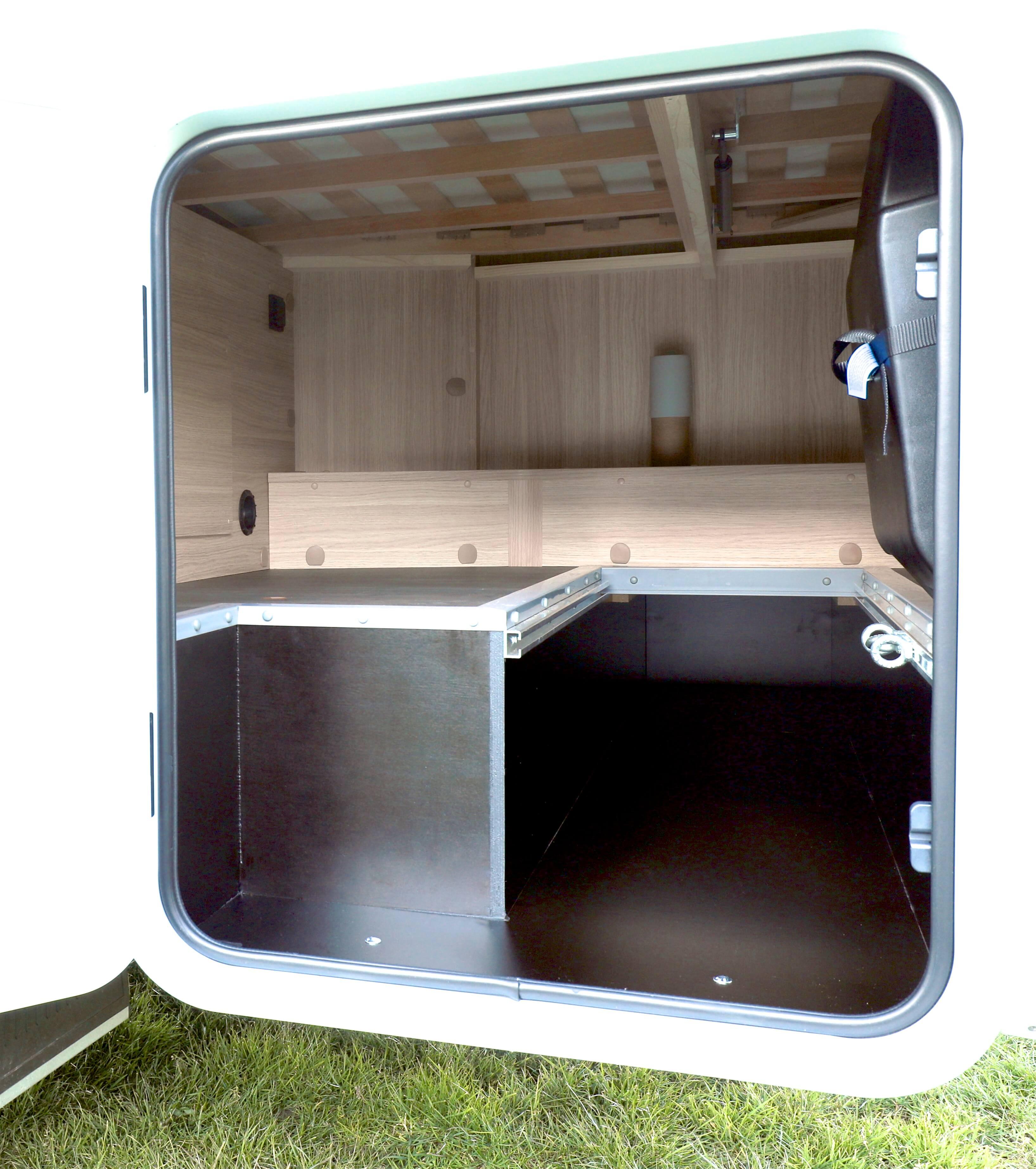 Garage Sunlight T 58 Campers Noord