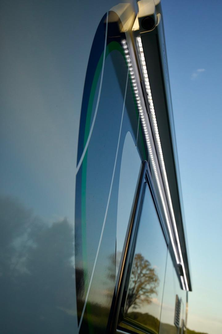 Luifel met LED Chausson 718 XLB VIP te koop bij Campers Noord