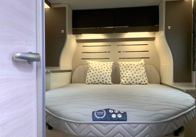 Queensbed Chausson 768 premium vip campers noord