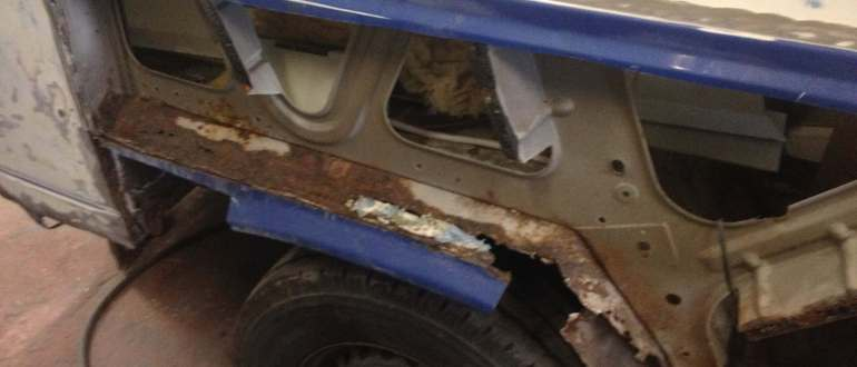 Rotten Wheel arches on VW bus