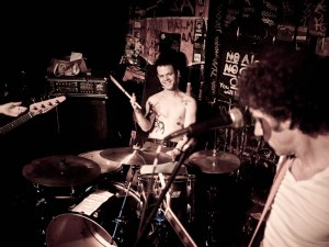 Kevin Mahon of forgetters at Le Voyeur in Olympia, WA (photo by Ryan Richardson)