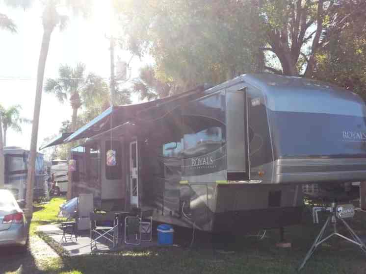 Encore Pioneer Village RV Resort in North Fort Myers Florida4