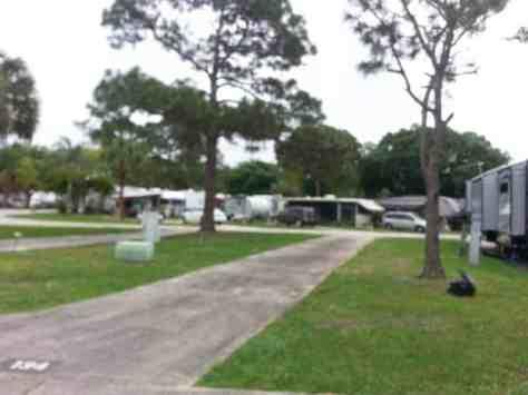 Encore Sunshine Travel RV Resort in Vero Beach Florida2