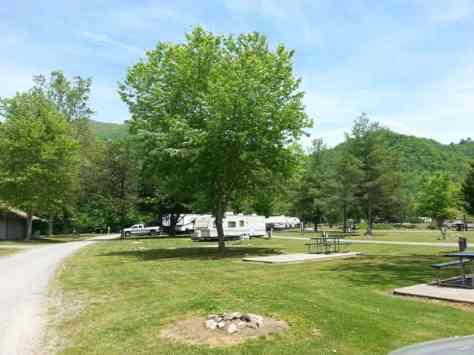Happy Holiday RV Village in Cherokee North Carolina (Whittier)3