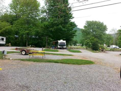 HillBilly Creekside Campground in Maggie Valley North Carolina2