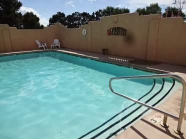 Rancheros pool1