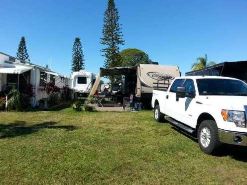 Sun RV Resorts Lake San Marino RV Park in Naples Florida2