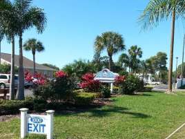 Sun RV Resorts Lake San Marino RV Park in Naples Florida7
