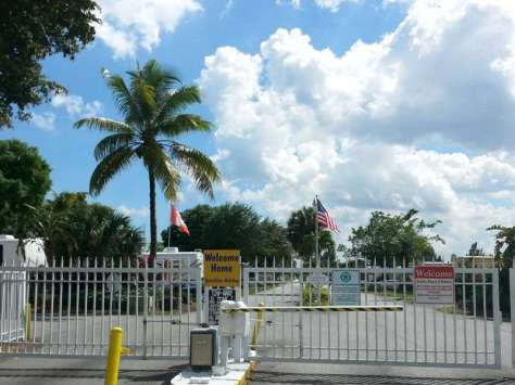 Sunshine Holiday RV Resort in Fort Lauderdale Florida2