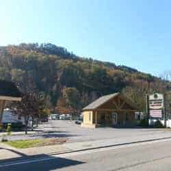 Brookside RV Resort in Pigeon Forge Tennessee Entrance