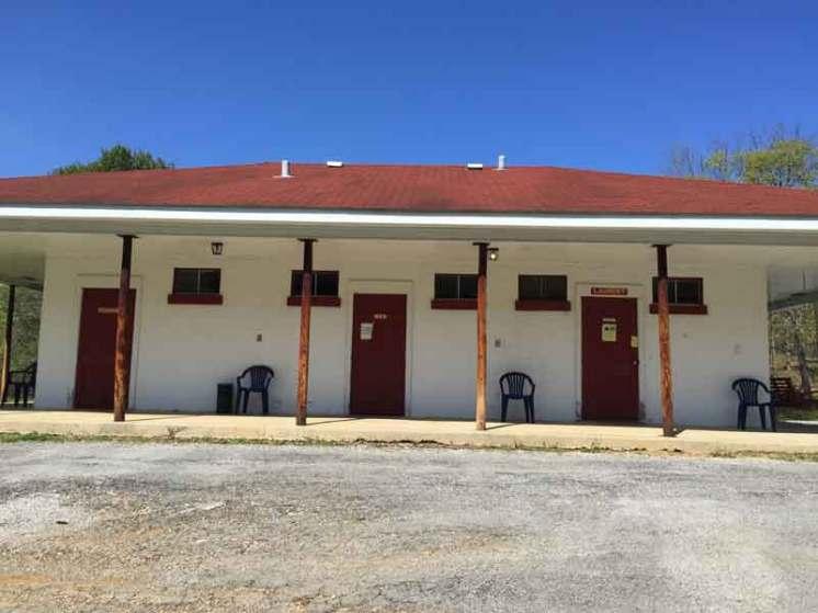 Diamond Caverns RV Resort & Golf in Park City Kentucky Restrooms