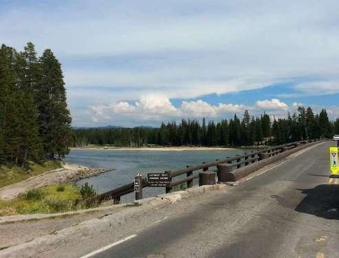 fishing-bridge-rv-park-yellowstone-national-park-01