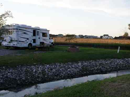 Grandview Camp and RV Park in Hardin Montana Pull In