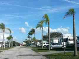 hawaiian-isles-rv-resort-ruskin-florida-roadway