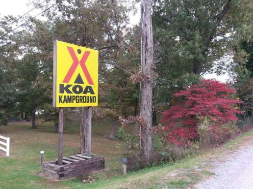 Kentucky Lake / I-24 / Paducah KOA in Calvert City Kentucky Sign