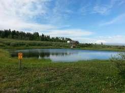 koa-mountainside-west-yellowstone-montana-pond