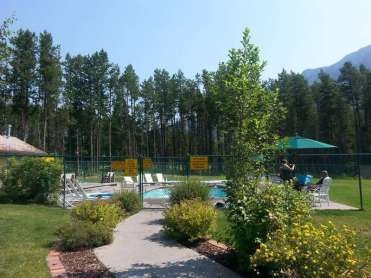 koa-west-glacier-montana-pool