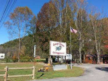 Lazy Daze Campground in Townsend Tennessee Sign