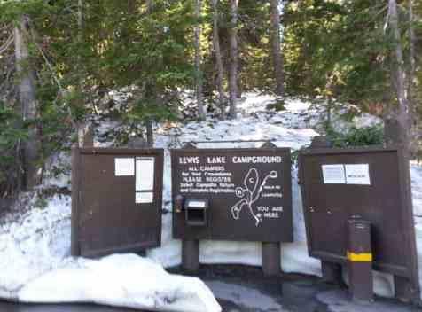lewis-lake-campground-yellowstone-national-park