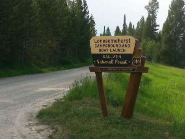 lonesomehurst-campground-west-yellowstone-montana-sign