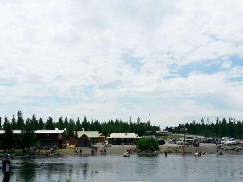 macks-inn-rv-park-island-park-idaho-river
