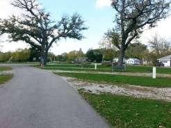 Margaret MacNider Campground in Mason City Iowa Full hookup road