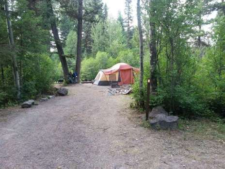 quartz-creek-campground-glacier-national-park-tent