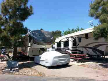 santee-lakes-campground-01