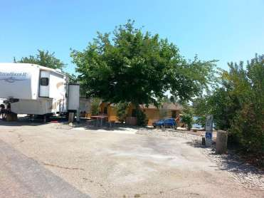 santee-lakes-campground-02