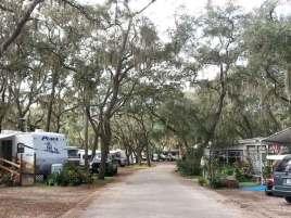 southern-aire-rv-resort-thonotosassa-florida-roadway2